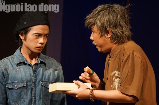Tuấn Dũng hóa thân đại ca trên sân khấu Kịch Phú Nhuận - Ảnh 5.