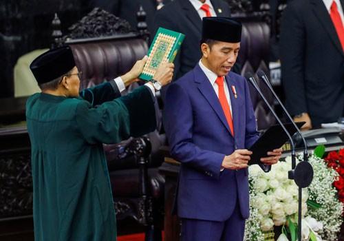 Nhiều thách thức chờ Tổng thống Widodo - Ảnh 1.