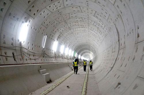 Tổng vốn tuyến metro số 1 giảm 3.400 tỉ đồng - Ảnh 1.