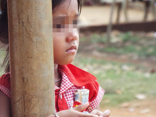 Loạt ảnh đặc tả cảnh trẻ thơ bị đày đọa công khai ở TP HCM - Ảnh 9.