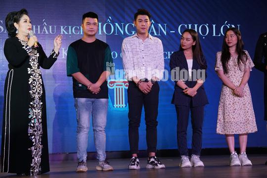 NSND Hồng Vân mở sân khấu kịch Hồng Vân - Chợ Lớn - Ảnh 2.