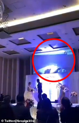 """Bị """"cắm sừng"""", chú rể tung clip nóng của cô dâu tại đám cưới? - Ảnh 1."""