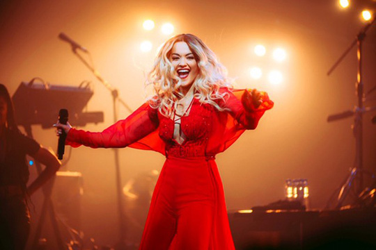 Rita Ora chọn trang phục Việt Nam cho tour diễn Phoenix - Ảnh 7.