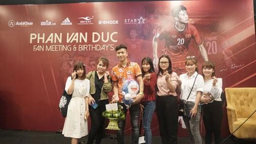 Buổi họp fan đáng nhớ của Phan Văn Đức - Ảnh 1.