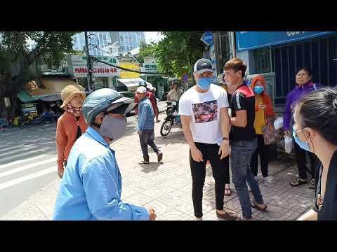 Diễn viên Lê Dương Bảo Lâm bị đánh khi phát cơm từ thiện: Diễn để quay phim? - Ảnh 2.