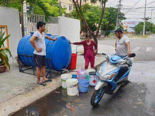 Đà Nẵng thiếu nước: Tính tới xây đập ngăn mặn - Ảnh 1.