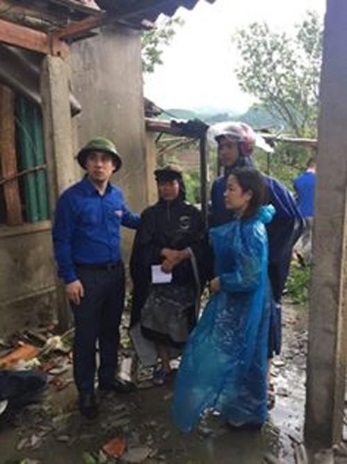 Lốc xoáy trước lúc bão vào, 41 nhà sập và tốc mái, 3 người bị thương - Ảnh 5.