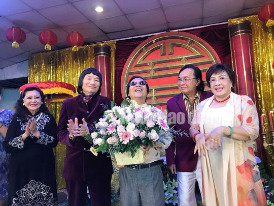 NSND Minh Vương tri ân đồng nghiệp trong ngày giỗ Tổ sân khấu - Ảnh 6.