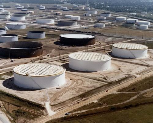 Khó lường biến động giá dầu - Ảnh 1.