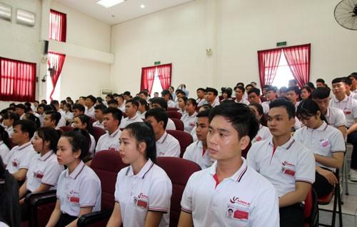 1 tháng, đưa 11.699 lao động Việt Nam ra nước ngoài làm việc - Ảnh 1.