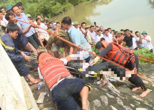 Tìm thấy thi thể tài xế taxi rơi xuống sông mất tích 3 ngày trước - Ảnh 2.