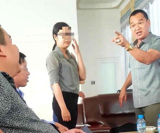 Một phóng viên bị chủ doanh nghiệp bánh pía nổi tiếng ở Sóc Trăng đe dọa - Ảnh 1.