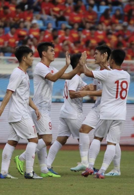 U22 Việt Nam thắng dễ U22 Trung Quốc 2-0 - Ảnh 1.