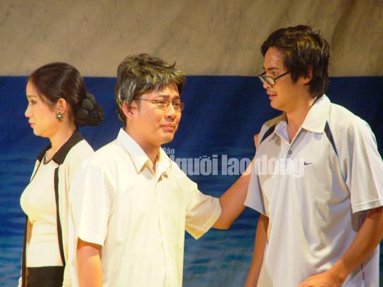 Danh hài Tấn Beo kể chuyện bắt trộm thời chèo ghe đi hát - Ảnh 2.