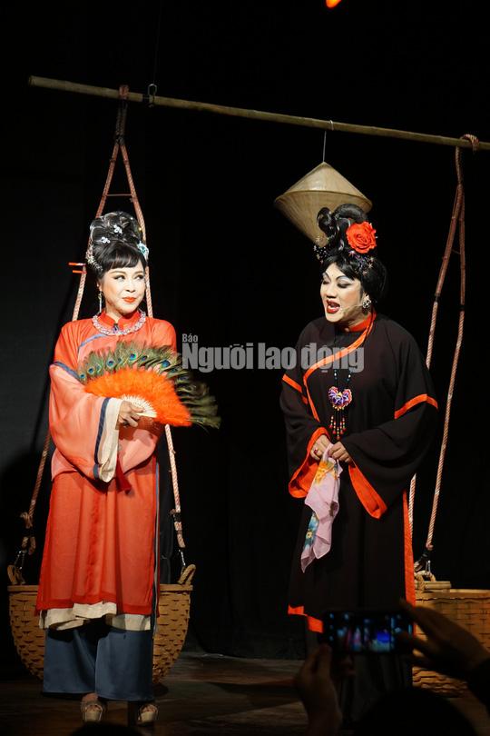 Nghệ sĩ Hương Giang hóa thân tinh tế trong 2 tác phẩm sân khấu đầu năm - Ảnh 2.
