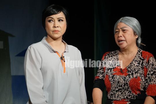 Nghệ sĩ Hương Giang hóa thân tinh tế trong 2 tác phẩm sân khấu đầu năm - Ảnh 1.