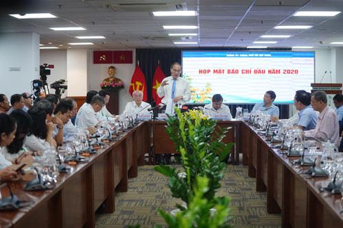 Lãnh đạo TP HCM giải đáp nhiều câu hỏi nóng - Ảnh 1.