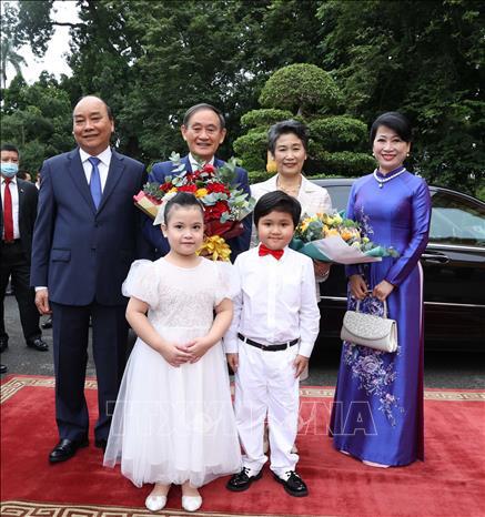 Thủ tướng Nguyễn Xuân Phúc chủ trì lễ đón Thủ tướng Nhật Bản - Ảnh 4.