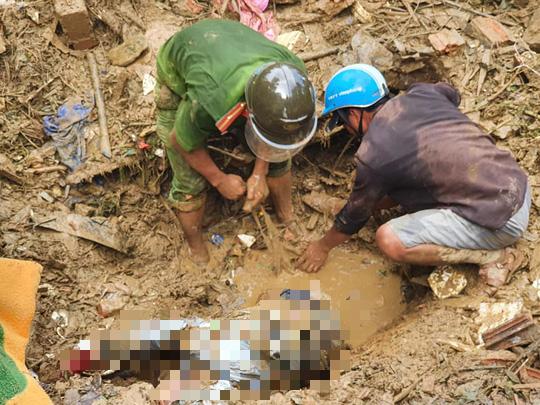 Hiện trường vụ sạt lở kinh hoàng tại Trà Leng - Quảng Nam - Ảnh 14.