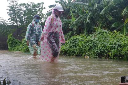 Đà Nẵng: Học sinh tiếp tục  được nghỉ học ngày 9-10 để tránh mưa lũ - Ảnh 1.