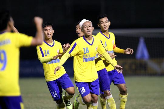 Tuyển thủ U22 lập công, U21 Nam Định ngược dòng thắng U21 Đồng Tháp - Ảnh 1.
