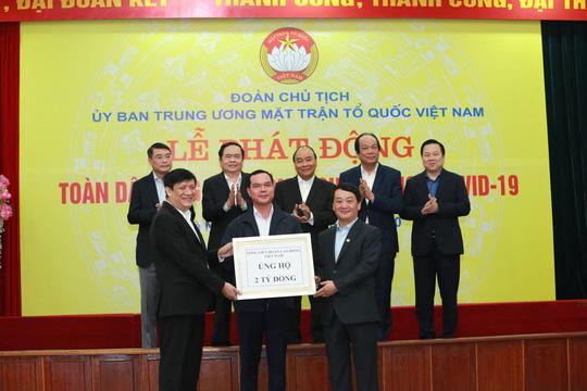CLIP: Thủ tướng quyên góp ủng hộ phòng chống dịch Covid-19 - Ảnh 7.