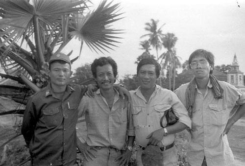 Những cơn mưa THÁNG 4-1975 - Ảnh 1.