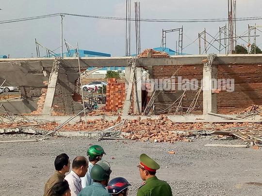 Sập công trình xây dựng làm 10 người chết ở Đồng Nai: Bắt khẩn cấp 3 người - Ảnh 1.