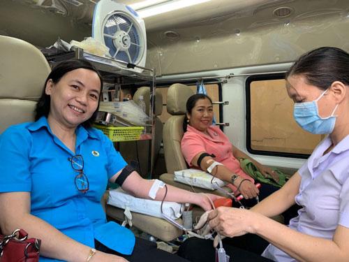 171 đoàn viên tham gia hiến máu tình nguyện - Ảnh 1.