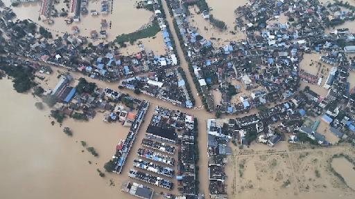 """Trung Quốc lo """"điều tồi tệ hơn"""" giữa lũ lụt lịch sử - Ảnh 3."""