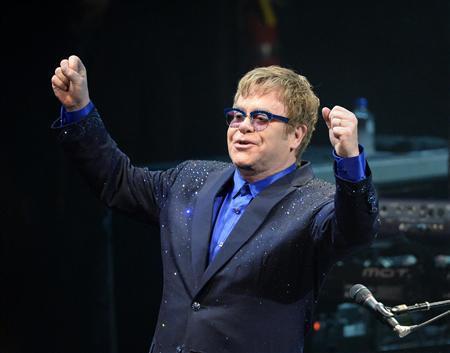 """Elton John mong chính trị gia đừng """"xài chùa"""" âm nhạc - Ảnh 1."""