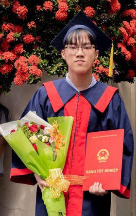 Thủ khoa tốt nghiệp THPT tại TP HCM là học sinh Trường Nguyễn Khuyến - Ảnh 1.
