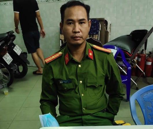 TP HCM: Khởi tố 2 cảnh sát dỏm xông vào nhà dân đọc lệnh bắt người - Ảnh 1.
