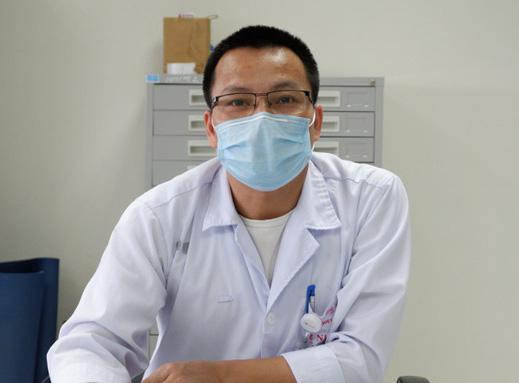 1 bác sĩ và 4 người khỏi Covid-19 tình nguyện hiến huyết tương điều trị bệnh nhân nặng - Ảnh 1.