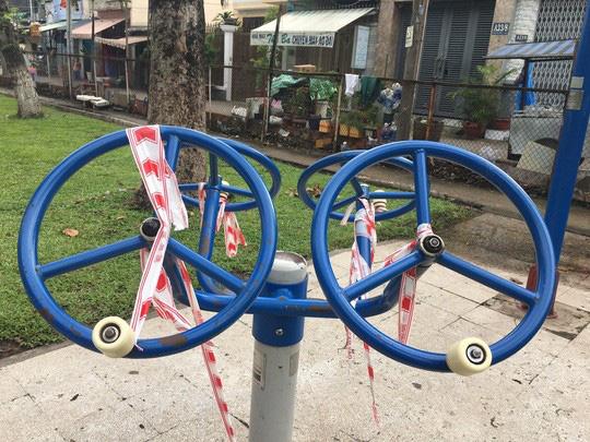 Thông báo khẩn dừng hoạt động các khu vui chơi, thể dục thể thao trong công viên ở TP HCM - Ảnh 4.