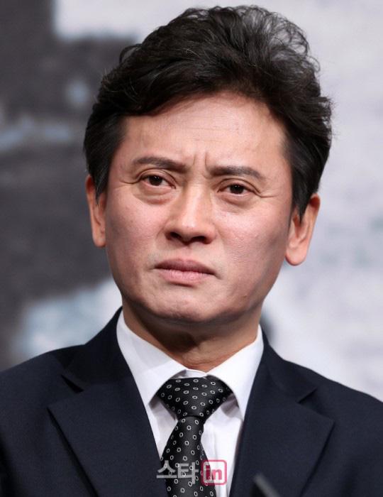 Hàng loạt ngôi sao Hàn Quốc bị cấm sóng truyền hình vì vướng xì-căng-đan - Ảnh 4.