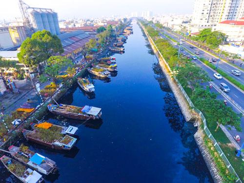Chợ hoa Xuân Trên bến dưới thuyền Tết Tân Sửu 2021 - Ảnh 1.