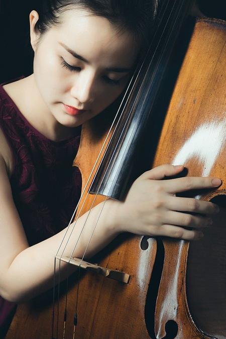 Quyến rũ và tài năng, Hà Miên được khuyến khích mang nhạc cổ điển Việt Nam ra quốc tế - Ảnh 4.