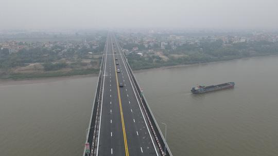 CLIP: Thông xe cầu Thăng Long sau gần 5 tháng sửa chữa - Ảnh 5.