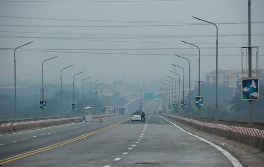 CLIP: Thông xe cầu Thăng Long sau gần 5 tháng sửa chữa - Ảnh 11.