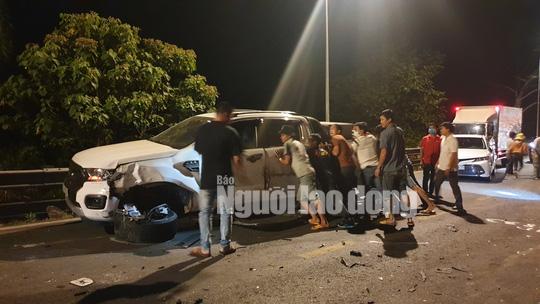 Tai nạn liên hoàn trên đèo Bảo Lộc, nhiều người bị thương - Ảnh 8.
