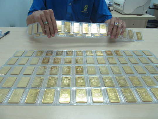 Lại tăng sốc, giá vàng SJC lập đỉnh mới - Ảnh 1.
