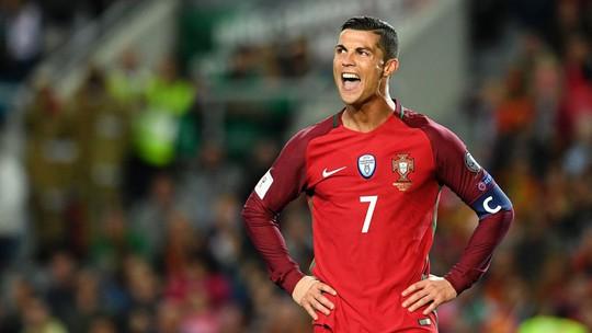 Tốp những bàn thắng đẹp nhất vòng loại World Cup - Ảnh 1.