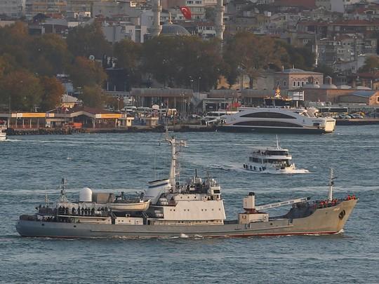 Tàu do thám Liman. Ảnh: REUTERS