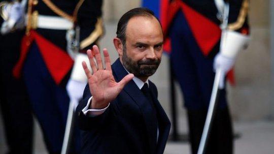 Tại sao Tổng thống Pháp bổ nhiệm thủ tướng ngoại đảng? - Ảnh 1.