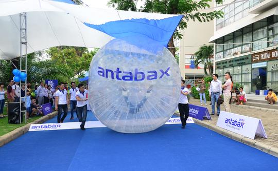 """Cơ hội cùng Antabax trải nghiệm trò chơi Zorbing Ball """"Quả banh khổng lồ"""" - Ảnh 1."""