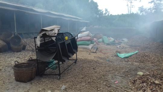 Cưỡng chế xưởng sản xuất cau chui có lao động Trung Quốc - Ảnh 4.