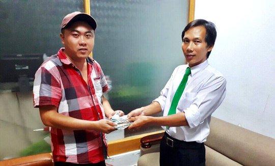 Tài xế taxi Mai Linh trả hơn 100 triệu đồng cho khách bỏ quên - Ảnh 2.
