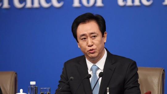 Người giàu nhất Trung Quốc ngồi trên đống nợ - Ảnh 1.