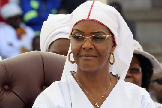 Người khiến Tổng thống Zimbabwe phạm sai lầm chết người - Ảnh 1.